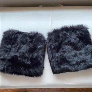 Shoes - Faux fur boot 👢 covers